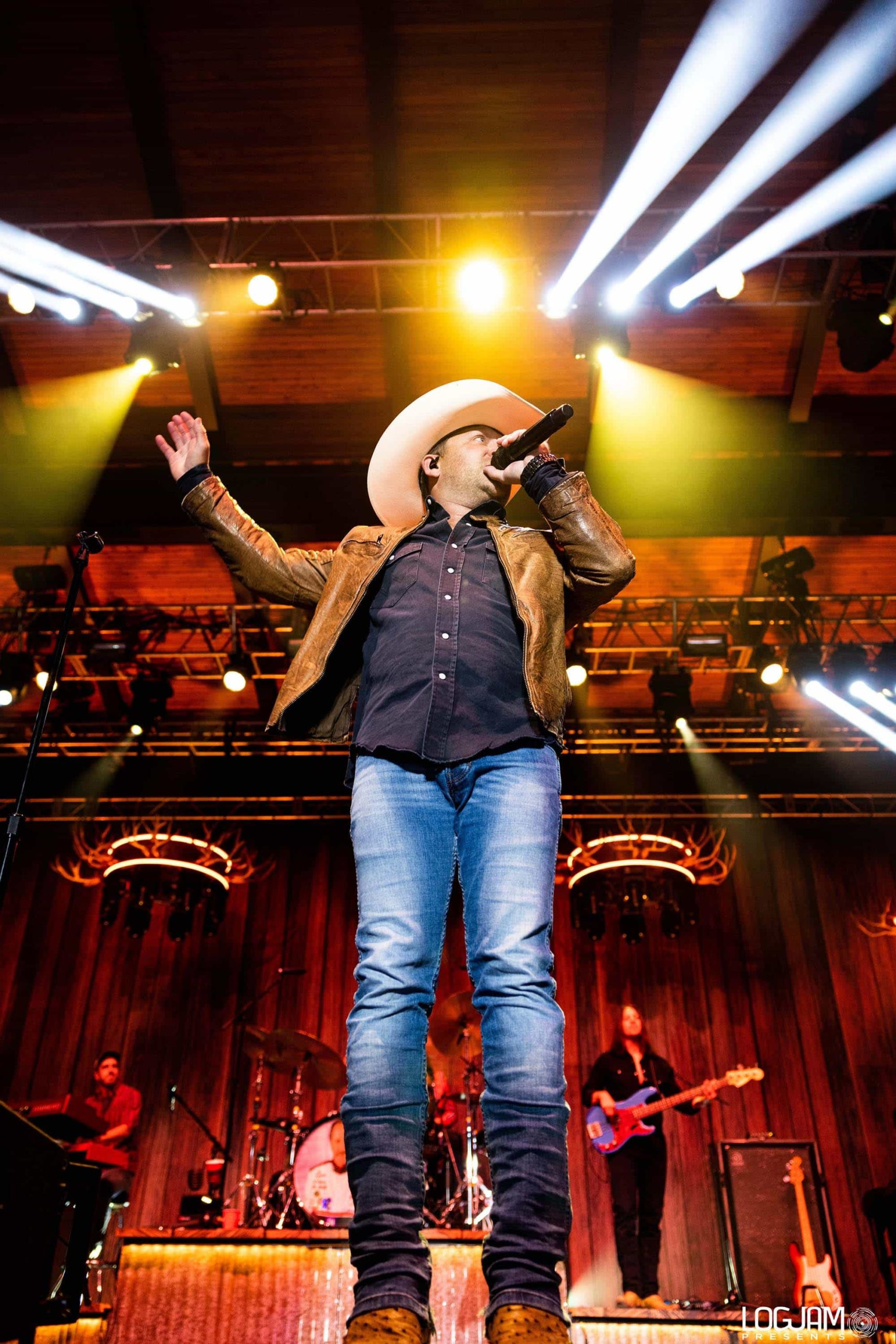 Justin Moore-32